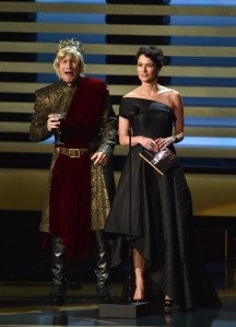 andy-samberg-plays-game-of-thrones-joffrey-on-stage-at-the-emmys-2014-03