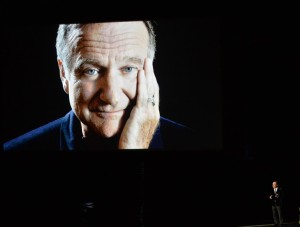 robin-williams-emmys-tribute-from-billy-crystal-02